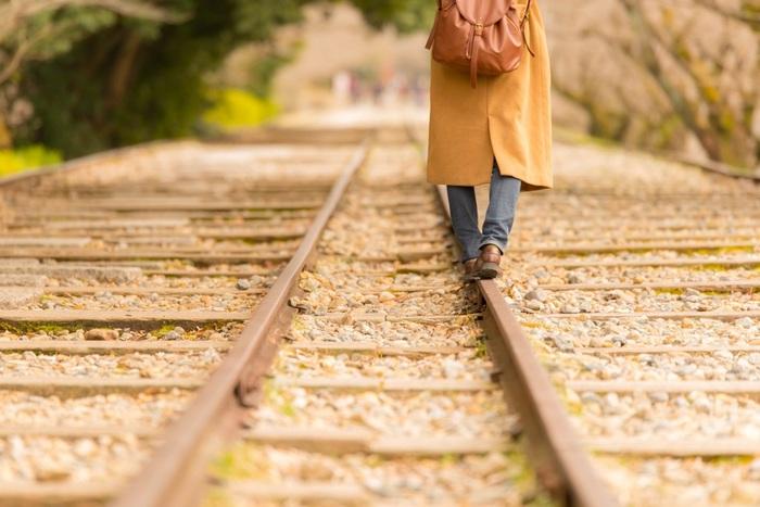 どこかに遊びに行くとなると、それなりに費用もかかるもの。ローカル線の1dayチケットなら、1日中乗り降り自由でぶらり旅にうってつけです。降りたことのない駅でふらりと降りて、地図を片手にてくてく街歩きをすれば、新たな発見もあってリフレッシュできるはず♪