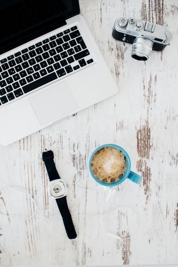 単純作業の場合、自分の中で「ひとりタイムトライアル」してみるのも楽しいかも。いかに早く、効率よく丁寧に作業をできるか、自分との闘いです!すべきことだけに集中して作業すると捗りますし、いつのまにか時間が過ぎ去っていたということも。