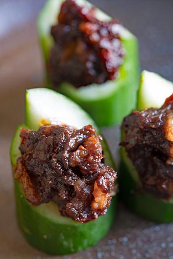 八丁味噌を使ったコクのある味噌ダレは、シンプルな蒸し料理のアクセントとして使えます。青唐辛子の辛味が癖になりますよ。
