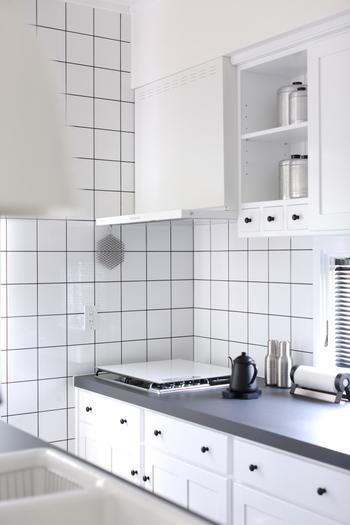 油汚れが溜まりやすい「換気扇」は、キッチンの中でも特に掃除に時間がかかる場所です。 もうすぐ年末の大掃除の時期ですが、今年は自分で綺麗にするか、それともプロの業者さんにお願いするか……迷っている方も多いのではないでしょうか? 今回はそんな方のために、お家でできる換気扇の簡単な掃除方法&便利グッズと、クリーニングサービスを行っている業者さんをご紹介します♪