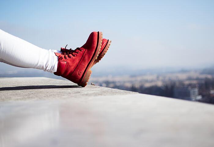 首・手首・足首は「三首」と呼ばれ、体を効率よく温めてくれる寒さ対策に大切なポイント。足首をふんわりと包み込み、体温を逃さないようにしてくれる、あったか秋冬ブーツは寒い季節の強い味方です。タウンユースにも使える、おしゃれなアウトドアブーツをご紹介します。