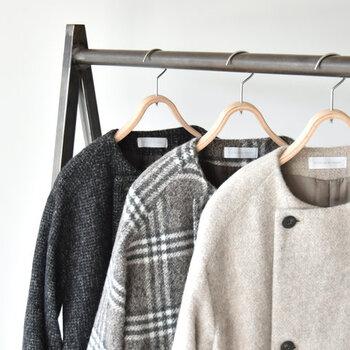 チェック柄のアウターは、羽織るだけで季節感とおしゃれ度をアップしてくれる優秀アイテムです。いつも無地のお洋服ばかり選んでしまうという方は、ぜひチェック柄アウターで大人の柄コーデを楽しんでみてくださいね♪