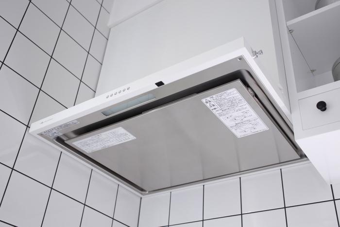 シロッコファンやプロペラファンタイプの換気扇の場合には、以下の準備をしてからお掃除を始めてくださいね。