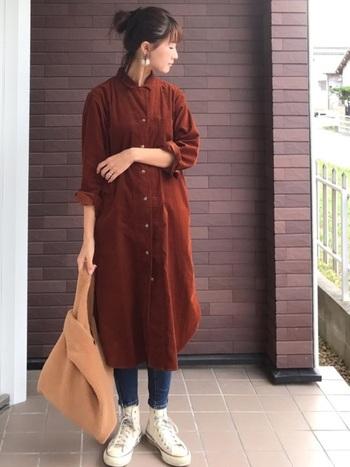 着るだけでグッと季節感を出すことができ、秋冬のファッションに便利な「コーデュロイワンピース」。まずはお手軽にプチプラブランドのものを試してみるのはいかがでしょうか?