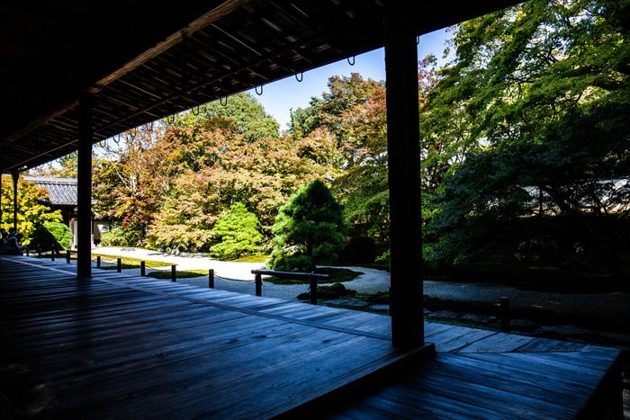 南禅寺は、亀山法皇の勅使によって創建された日本初の勅願禅寺であるため、全国で最も格式の高い禅寺となります。