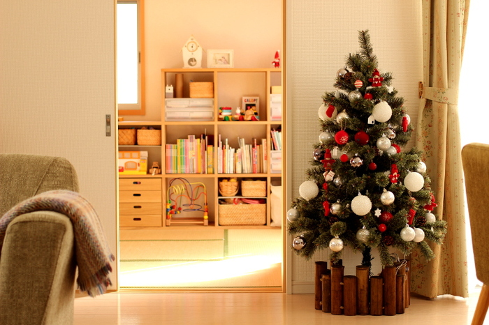 家じゅうがクリスマスムードで満たされれば、家族の笑顔も溢れるはず。この季節だけ楽しめる素敵なディスプレイ、あなたもこだわってみませんか。