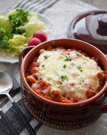 豆乳、大豆、ツナを材料に使った女性に嬉しいヘルシードリア。トマト缶で出来るのでその手軽さも魅力です。ひとりランチにもどうぞ♪