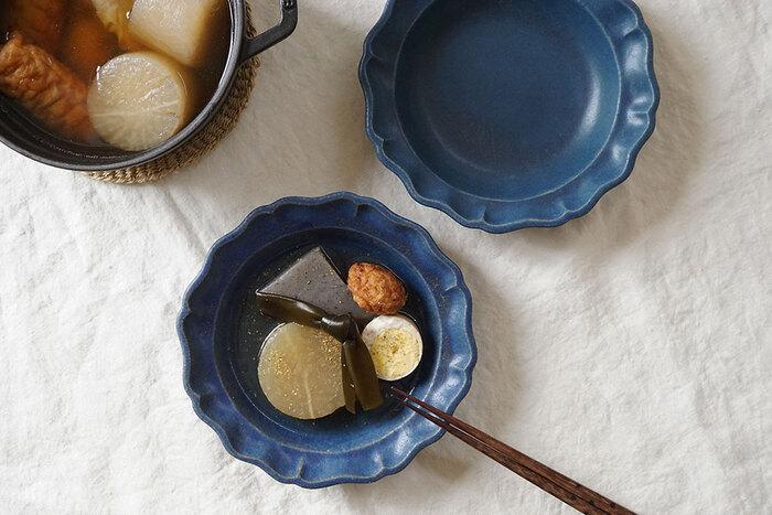 寒い季節の日本の食卓の風物詩と言えば「おでん」ですよね。今やコンビニでも手軽におでんが買える時代だけど、お好みの具を入れて自宅でコトコト煮込むおうちおでんの美味しさは絶品です。