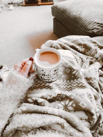 冷え込みと共に乾燥が気になる季節。喉のいがらっぽさや痛みにしょっちゅう悩まされる方も少なくないはず。  さらに、風邪やインフルエンザなどの感染症も流行り始め・・・いつわが身に降りかかるかと、ビクビクしている人もいるのでは?