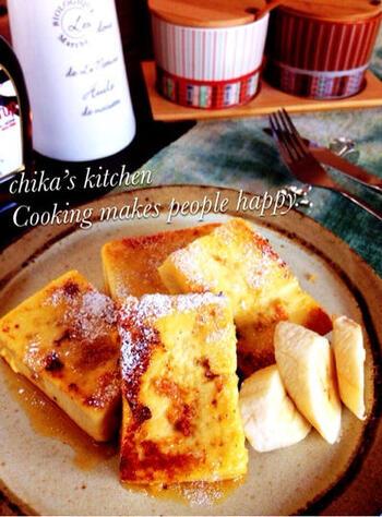 高野豆腐に卵液をしみ込ませてフレンチトースト風に仕上げます。ヘルシーでおしゃれなアイデア料理。噛みしめれば、じゅわっとうまみがあふれます。