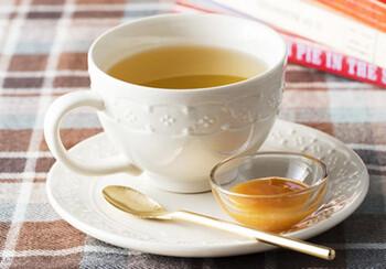 味などになかなかなじめない場合は、ヨーグルトや紅茶などに加えてもOKです。  メチルグリオキサールは比較的熱に強いので、ホットドリンクに加えても効果が大きく変わりにくいとされています。
