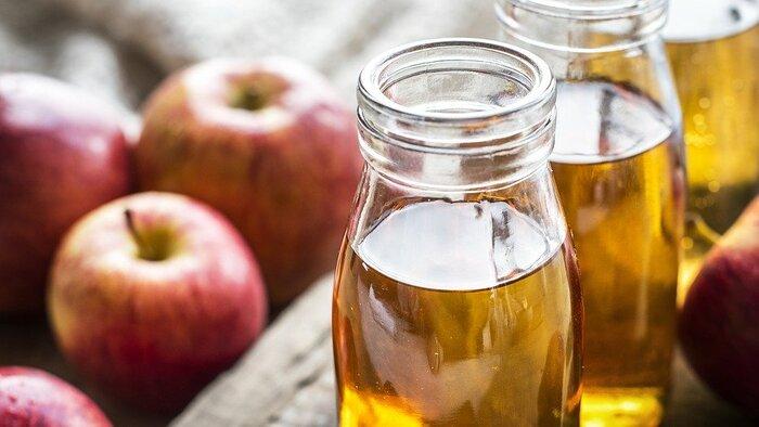 疲労を感じた時の甘い物の欲求には、スイーツよりもサワードリンクがおすすめです。適度に糖分も含み、体のエネルギー代謝を助けると言われているクエン酸も摂取する事ができます。お茶類より味がはっきりしているので、リフレッシュメントとしても効果的。果物で作ったフルーツ酢を楽しんでみても。