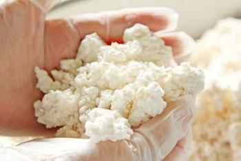 麹は大豆を発酵させて味噌に変えるのに欠かせない材料。種類は大きく分けて3つ。材料によって味が異なります。
