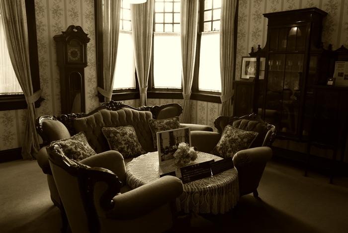 応接間も、トーマス氏がここに住んでいた当時の様子が忠実に再現されています。豪華な内装と素晴らしい調度品のセンスの良さには、思わずため息が出るほどです。