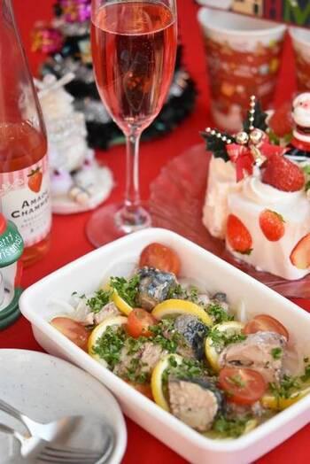 鯖の水煮缶を使ったマリネは、野菜を切って、鯖と調味料を混ぜるだけの時短レシピ。味の決め手のレモンが爽やかで、いくらでも食べられそうなおいしさ。鯖もたっぷりで食べ応えがありますよ◎
