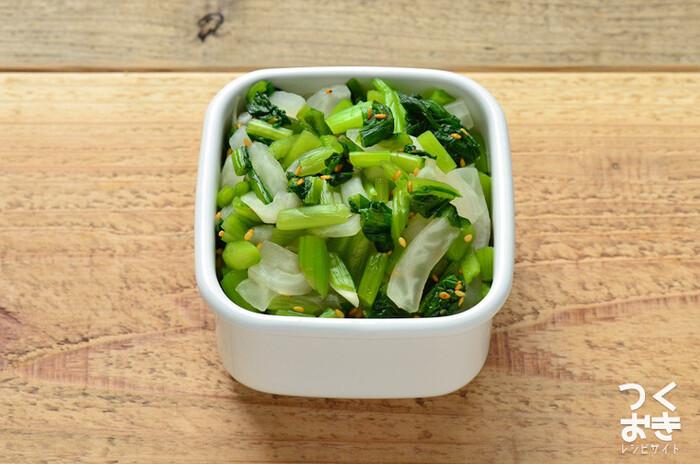 野沢菜と大根を調味酢で和えたさっぱり味のおかず。シャキッとした食感と野菜の風味が箸休めにぴったりです。