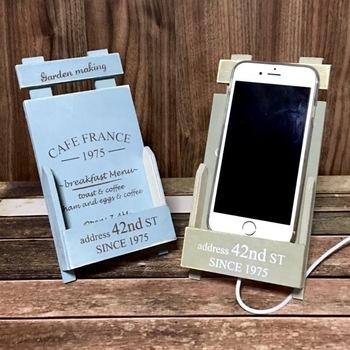ダイソーのメッセージボードとフレンチポタジェピックを使って。切って接着剤で貼り付けるだけで、塗装も不要です。