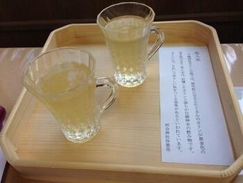 河合神社ではカリンと御神水で作られた「美人水」が販売されています。美人水に含まれるカリンは肌を美しく若々しくする効果があると言われているため、参拝の後にいただいてみるのもおすすめです。
