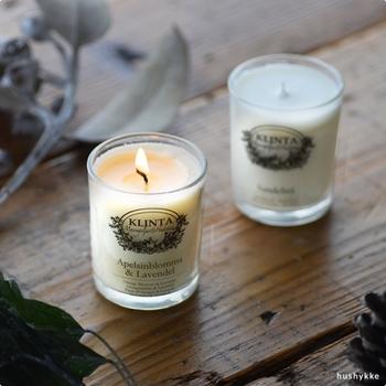 融点が低くゆっくりと香りが蒸発していくため、火が点いている時はほとんど香りを感じにくくなっています。食事など香りが気になるというシーンでも、気兼ねなく使えるのも大きな魅力の一つですね。