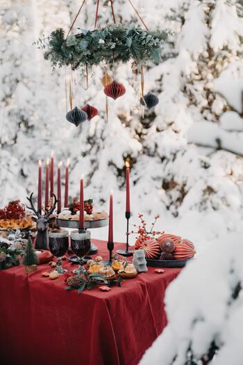 クリスマスの日はまさに、一日中食べる食べる。バイキング形式で自分の好きなタイミングで、とにかくずっとテーブルに並んでいるバイキングを楽しみます。