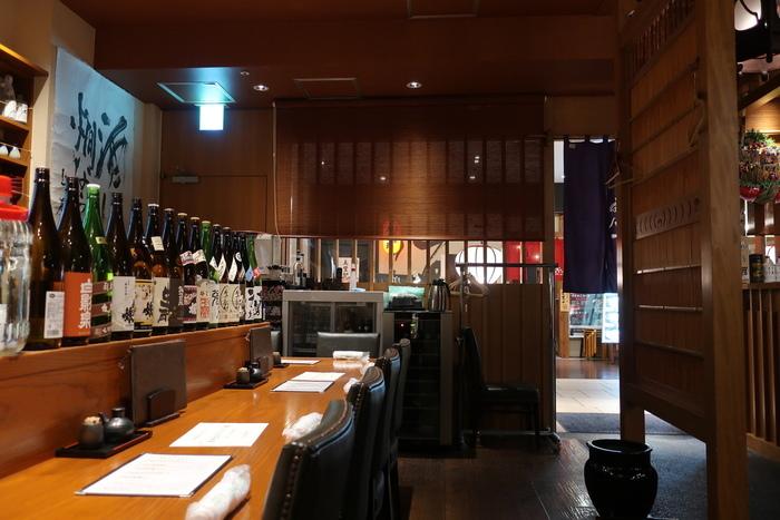 豊富な日本酒で有名なお店だけあって、昼からビールや日本酒、ワインなども楽しめます。軽く一杯飲みながらいただくランチは、また格別な味わいですよね。