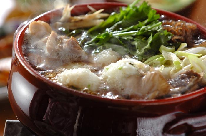 もち米を入れたご飯で作る団子がポイントのお鍋。もちもちとした食感は食べ応えがあり、これ一品で満足できそう!