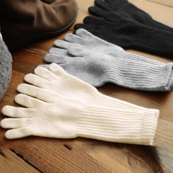 これから本番を迎える寒い季節。冷え性だからって、動かずに籠っているのは勿体ない。冷え取りアイテムをちゃっかり仕込んで、ぬくぬく暖かに季節を乗り越えよう。