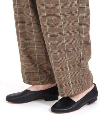 今回は、おしゃれさんたちの着こなしを参考に「ローヒール」の種類ごとにコーディネート術をご紹介します。  トレンドに流されない素敵な着こなしばかりなので、ぜひ冬コーデの参考にしてみてくださいね。