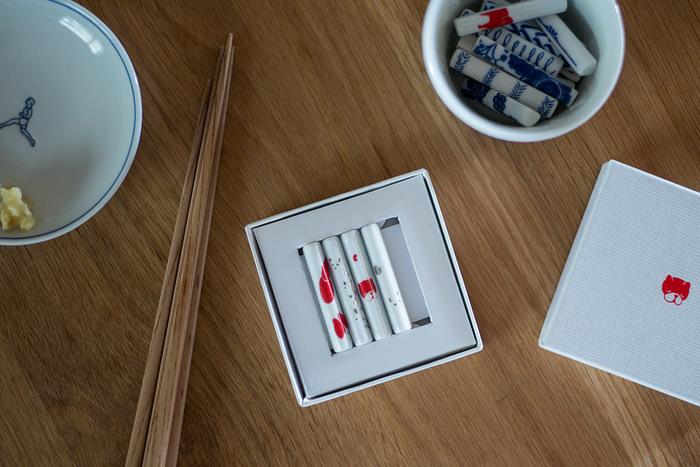 毎年出されている東屋の干支箸置き。前年度分は売り切れですが、デザインを見ることはできます。購入の参考にしてみて。