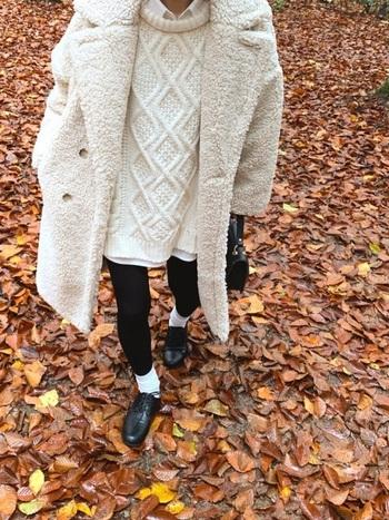 寒い冬はもこもこ羽織って暖かく*「ボアアウター」の着こなしコーデ