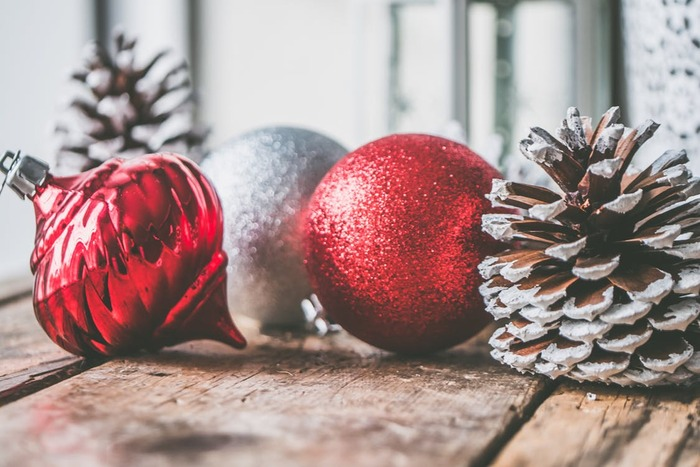 ハロウィンタウンに住むカボチャ大王のジャック・スケリントンは、ハロウィンの準備に飽きていた。ある日、森で見つけた不思議なドアを開けたジャックはクリスマスタウンに迷い込んだ。その明るく美しい世界の虜になったジャックは、クリスマスの計画を立て始める...。