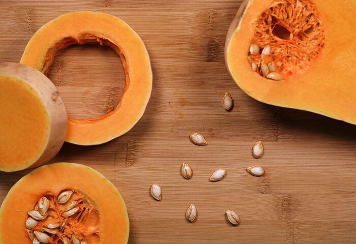 かぼちゃスープはミキサーがないと作れない? いえいえ、そんなことはありません!ミキサーがなくても大丈夫!おうちにある道具で作れますよ♪ まずは、ミキサーを使わずに作れるレシピからご紹介します。気軽に挑戦してみてくださいね。
