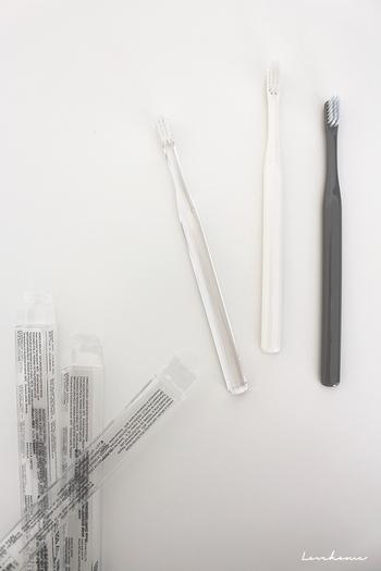 歯ブラシは、1ヶ月に1回の交換が理想です。毛先が開くまで使うと、汚れが落ちにくくなり、ブラッシングの効率が悪くなってしまいます。新年を迎えるこのタイミングだからこそ、月1交換を習慣化しやすい!今のうちに1年分(12本)用意して、新しい年は、毎月新しい歯ブラシで迎えましょう。