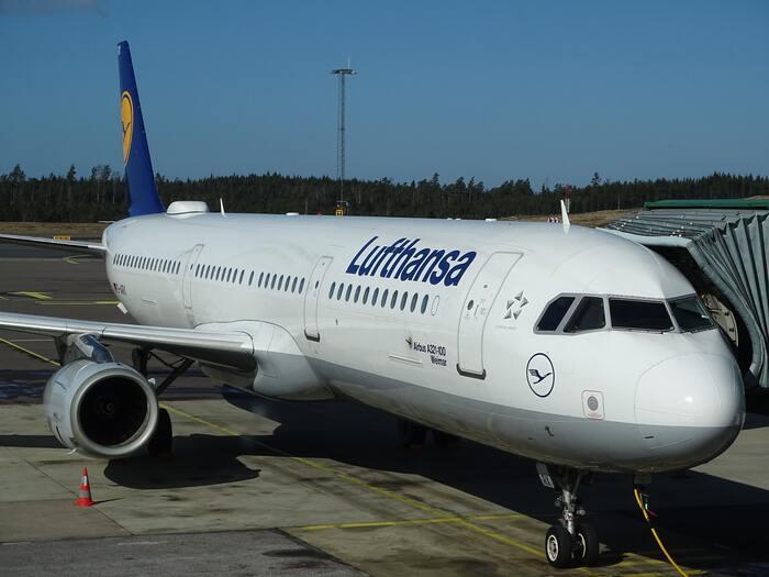 ドイツのルフトハンザドイツ航空(Lufthansa)は、その名の通りドイツを本拠地とした世界でも最大規模の航空会社です。ヨーロッパらしいスタイリッシュなデザインは、見ているだけでワクワクします。