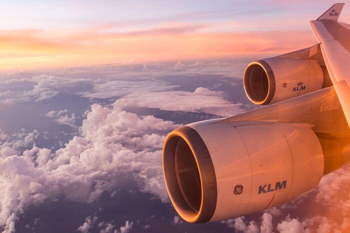おすすめのヨーロッパの航空会社をご紹介いたしました。 ヨーロッパの航空会社はデザイン性に優れた会社が多く、機内サービスも様々。一歩機内に足を踏み入れると、もうそこは日本では無く、まるで現地に来たかのようなワクワク感。それぞれのお国柄を楽しむことができる、ヨーロッパの航空会社を是非お楽しみください♪