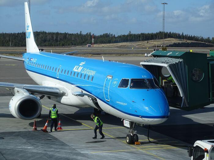 色鮮やかななんとも美しいブルーが印象的な、KLMオランダ航空(KLM Royal Dutch Airlines)。オランダ・アムステルダムのアムステルダム・スキポール空港を拠点に、世界約250都市へ就航しています。乗り継ぎのシンプルさにも力を入れており、アムステルダム・スキポール空港では、お客様に優しい乗り継ぎを目指しています。その実績は、ベストエアポートとしての実績もあるほど。