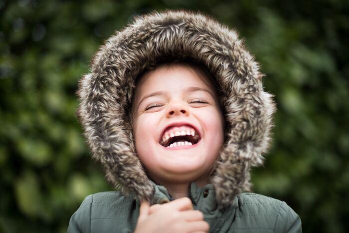 こどもの歯は大人の歯よりデリケート。もしお子様にも電動歯ブラシを、と思っているならこども専用のものを選んであげましょう。現在は、0歳から使える電動歯ブラシも販売されていますよ!