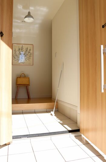 一年の最後には、玄関の汚れをピカピカにして終了!お正月飾りなども準備して、気持ちよく新年を迎えましょう♪