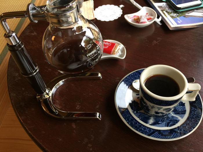 様々なドリンクメニューが用意されている珈琲さとうですが、コーヒーの美味しさは格別です。サイフォンで丁寧に入れてくれるコーヒーは、ケーキなどのスイーツとの相性が抜群です。