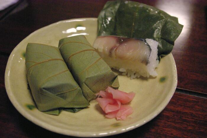 町屋茶屋・古伊では、柿の葉寿司など奈良県の特産品をいただくこともできます。