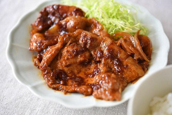 パワーをつけたい時に食べたくなるレシピといえば「生姜焼き」を思い浮かべる人も多いのではないでしょうか。生姜がピリッと効いて、食べていくうちにカラダがポカポカと温まってくるレシピ。お弁当に入れても喜ばれる一品です♪