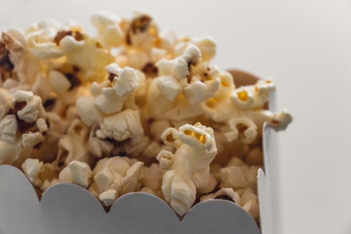 人気「コメディ映画」26選!お腹をかかえて笑える、おすすめの洋画・邦画をご紹介