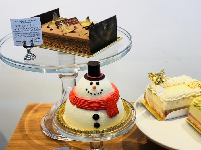 パーティーのクライマックスと言えるのが、きれいにデコレーションされたクリスマスケーキ。今年も、人気が高いパティスリーから届く特別なケーキや、オリジナルのケーキが用意されているそうですよ。売り切れ必至なのでご予約を忘れずに。