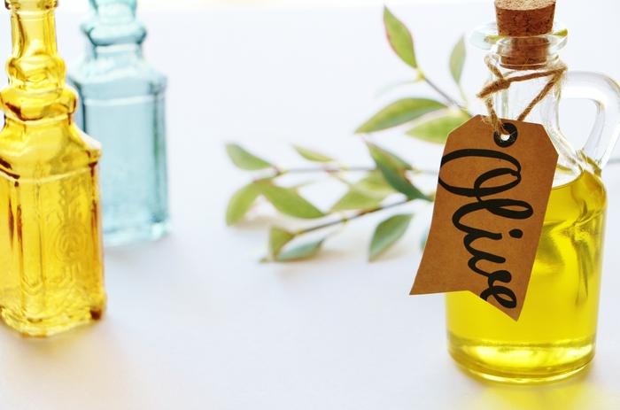 イタリアといえばオリーブオイルの宝庫。地元スーパーにもたくさん陳列されているのでお土産として選びやすいですよ。