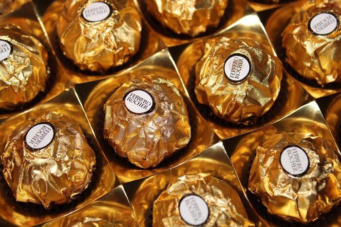 ferreroのチョコレートは日本でも良く知られていてお土産として人気。ヘーゼルナッツの濃厚なクリームとウエハースの組み合わせが美味しいチョコレートです。
