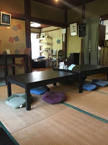 店内は畳スペースやテーブル席があり、ついつい長居してしまいそうな空間です。ゆっくり足を伸ばして、ランチやお茶を楽しめるのは魅力ですよね。