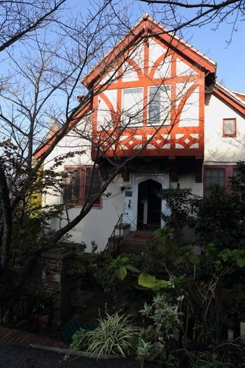 日本の近代建築で有名なヴォーリズにより設計されたペンション。元は宣教師のための住居で、登録有形文化財となっています。