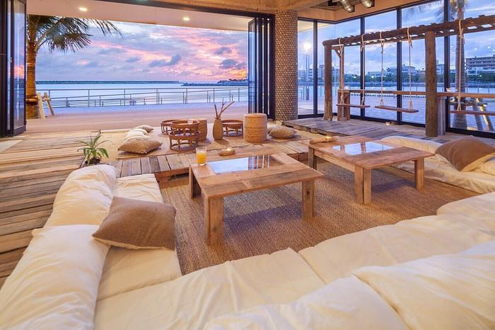 ゆったりと過ごせるカフェで、日々の疲れを癒すのもまた、大人の休日にぴったり♪ ぜひ沖縄旅行でめぐりたいお店リストに、加えてみてくださいね。