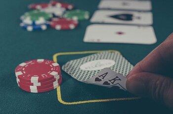 釜山にはセブンラックカジノとパラダイスホテルカジノという2つのカジノが存在します。日本に無い遊びとして、ちょっと足を踏み入れてみてはいかがでしょうか。