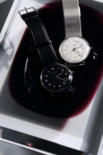 日常使いしたい腕時計のベルトといえば、やはり馴染みがあるのは革か金属のベルトではないでしょうか。 でも、そのどちらかを選ぶとしたら、どんなところに注目して決めればいいのでしょう?